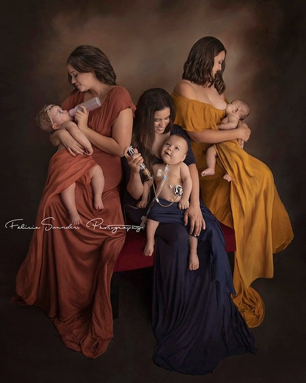 Viral Photo Celebrates Different Ways to Feed your Baby