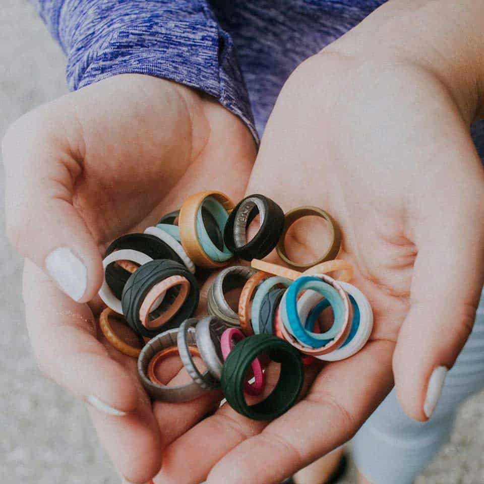 mom with multiple enso rings - pregnancy friendly jewelry
